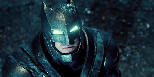 landscape_movies-batman-v-superman-dawn-of-justice-trailer-01
